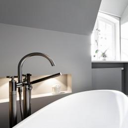 Luxusbad Sylt - puristisches Designerbad mit Insel-typischen Elementen.