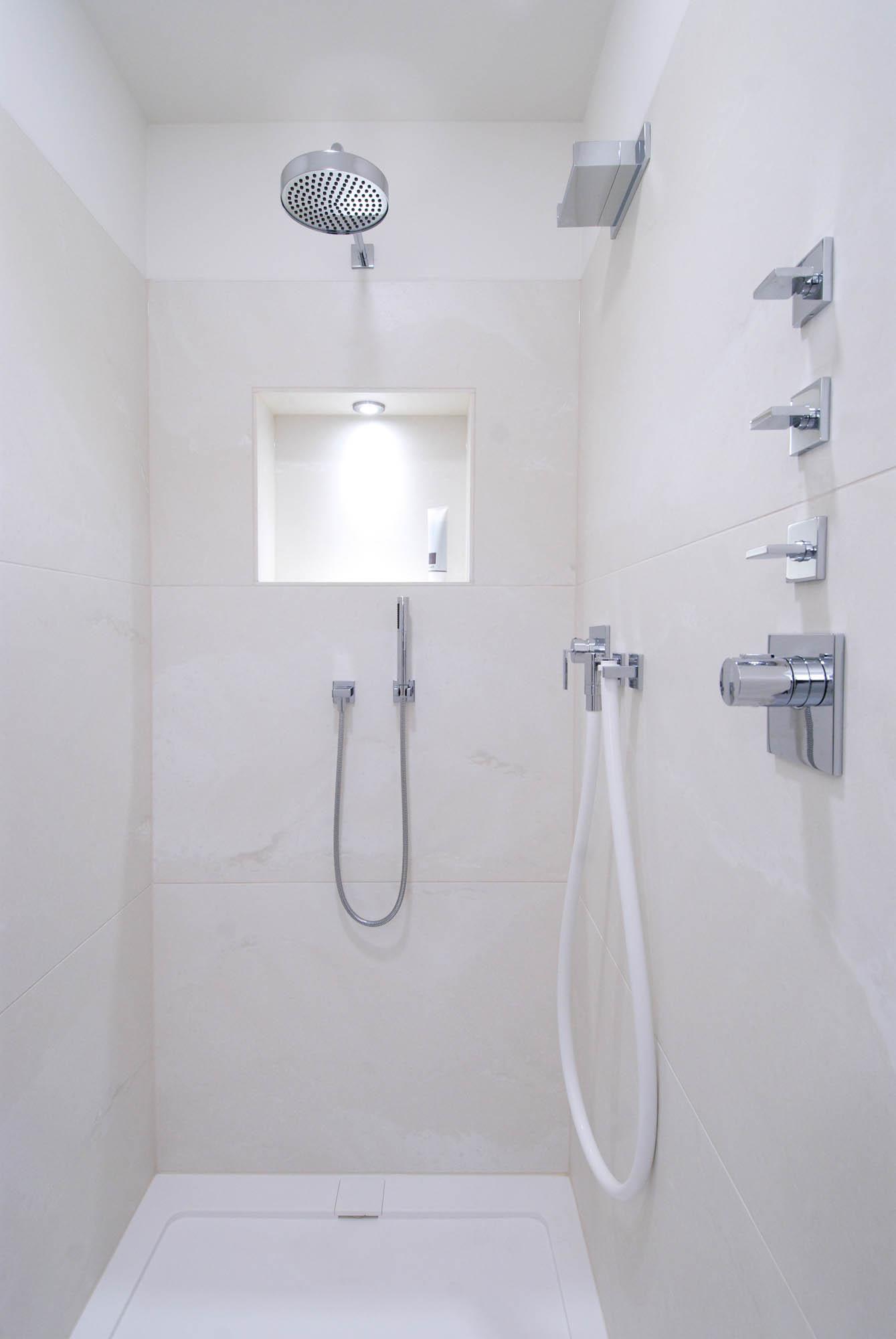 Luxusbad  Exklusive private Wellnessoasen von PORT18 Baddesign