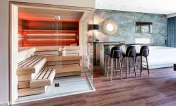 Private Sauna und Whirlpool mit Bar